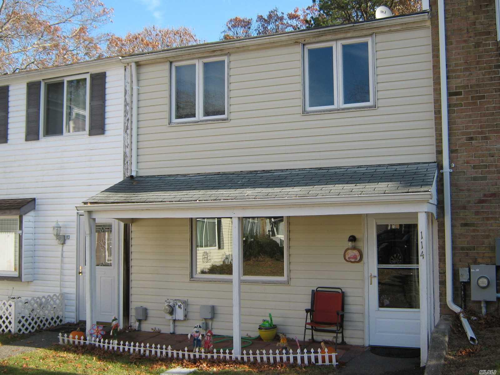 Property for sale at 114 Hill Spur, Calverton NY 11933, Calverton,  New York 11933