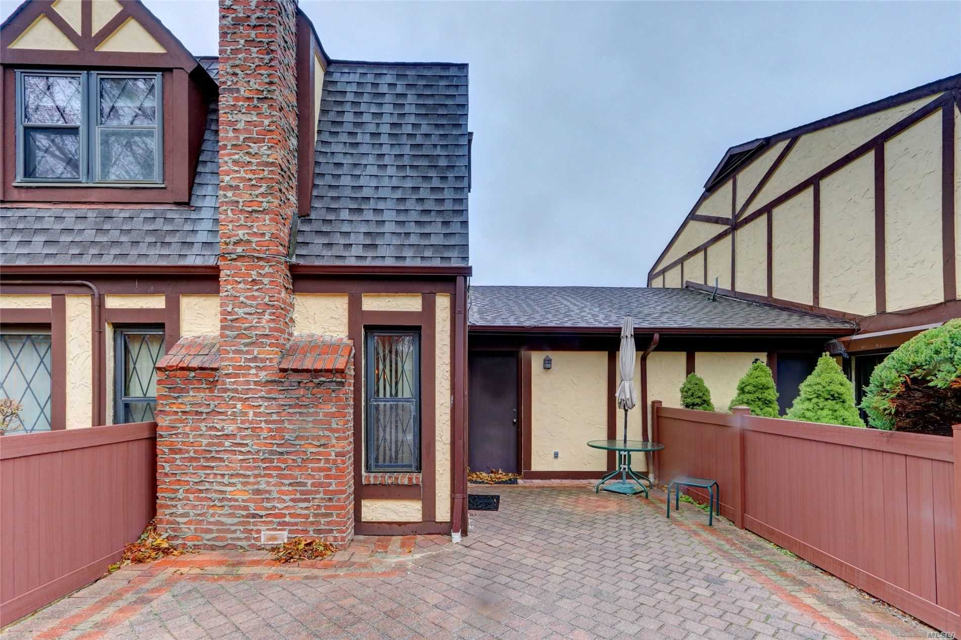Property for sale at 28 Summerfield Court, Deer Park NY 11729, Deer Park,  New York 11729