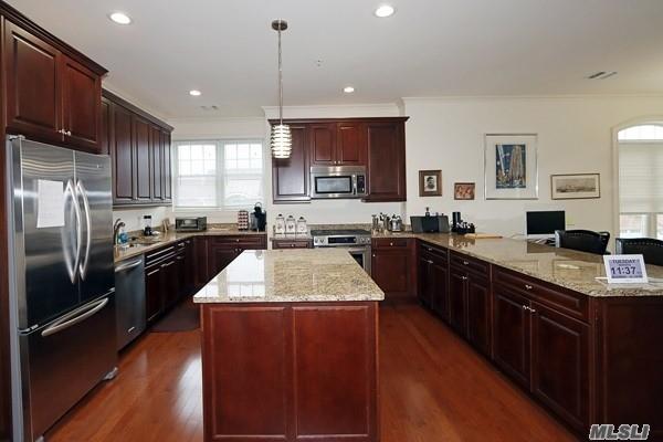 Property for sale at 320 Roosevelt Way, Westbury NY 11590, Westbury,  New York 11590