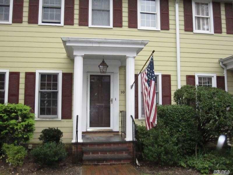Property for sale at 10 Dukeofgloucester, Manhasset,  New York 11030