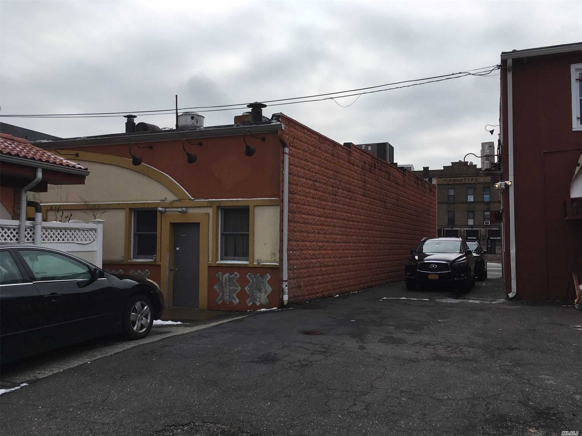 Commercial Lease Sunrise Highway  Nassau, NY 11570, MLS-3186003-6