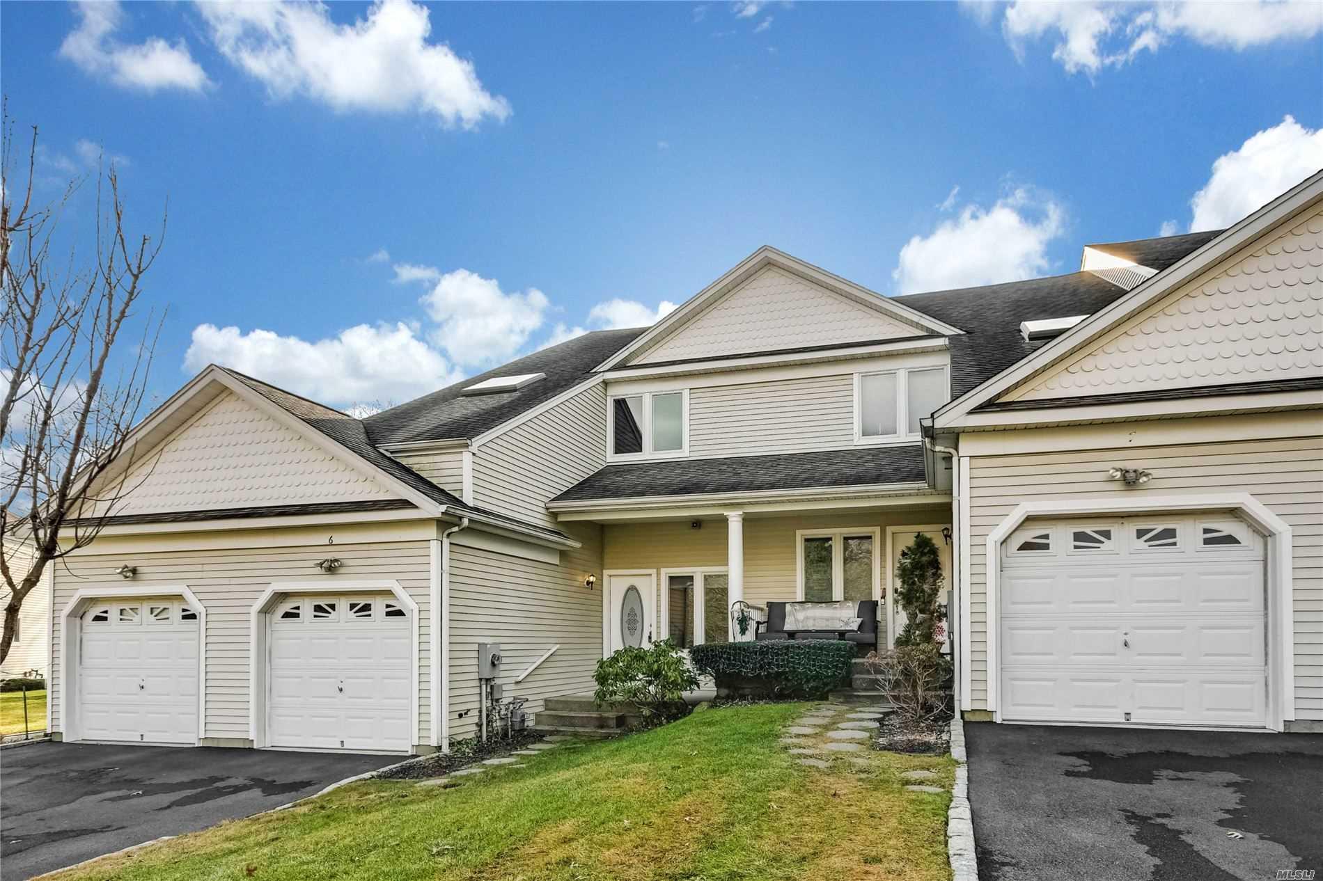 Property for sale at 6 Lindbergh Circle, Huntington NY 11743, Huntington,  New York 11743