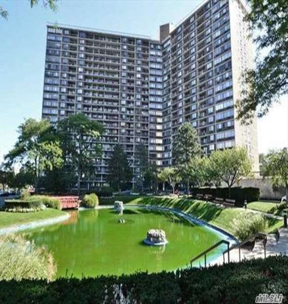 Property for sale at 2 Bay Club Drive # 14P, Bayside NY 11360, Bayside,  New York 11360