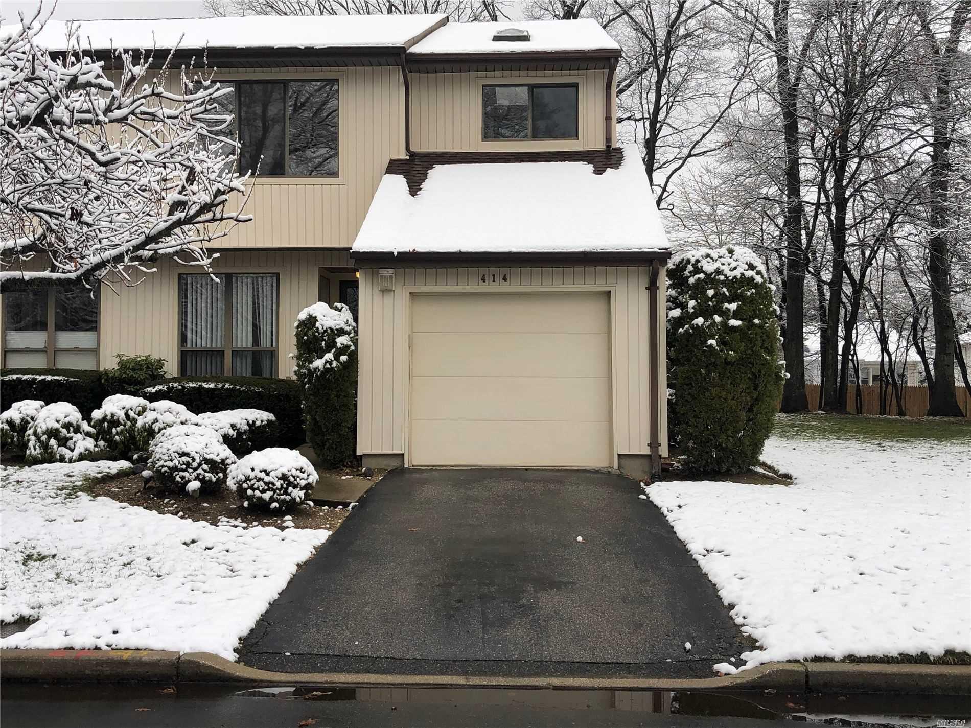 Property for sale at 414 Woodland Estates Drive, N. Baldwin NY 11510, N. Baldwin,  New York 11510