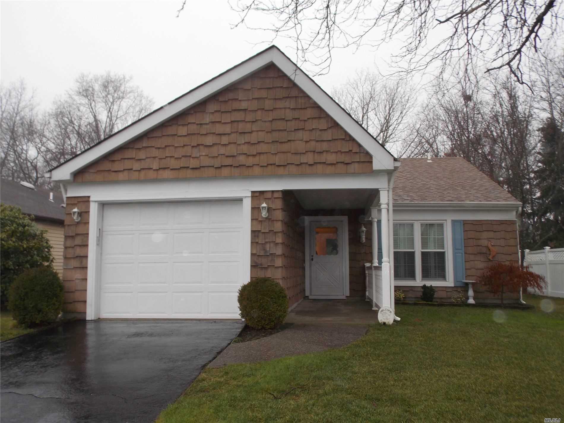 Property for sale at 5 Lamont Road, Ridge NY 11961, Ridge,  New York 11961