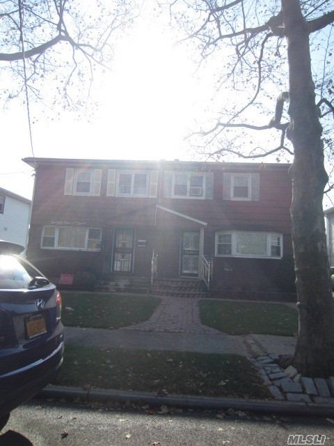 Property for sale at 25412 147th Ave, Jamaica,  New York 11422