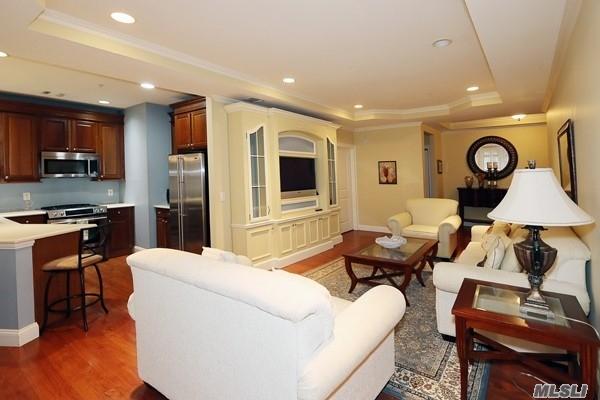 Property for sale at 301 Roosevelt Way, Westbury NY 11590, Westbury,  New York 11590