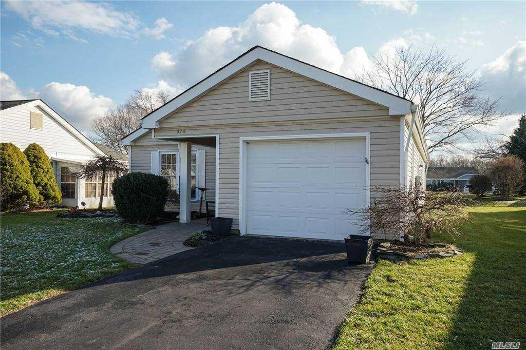 Property for sale at 578 Stratford Lane, Ridge NY 11961, Ridge,  New York 11961