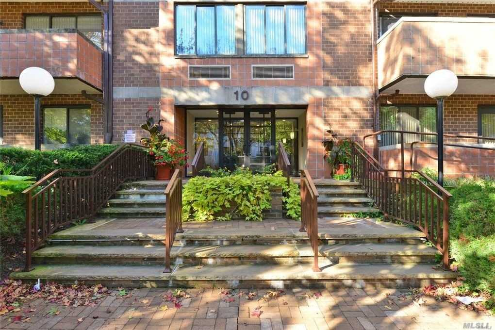 Property for sale at 10 Canterbury Road # 2B, Great Neck NY 11021, Great Neck,  New York 11021