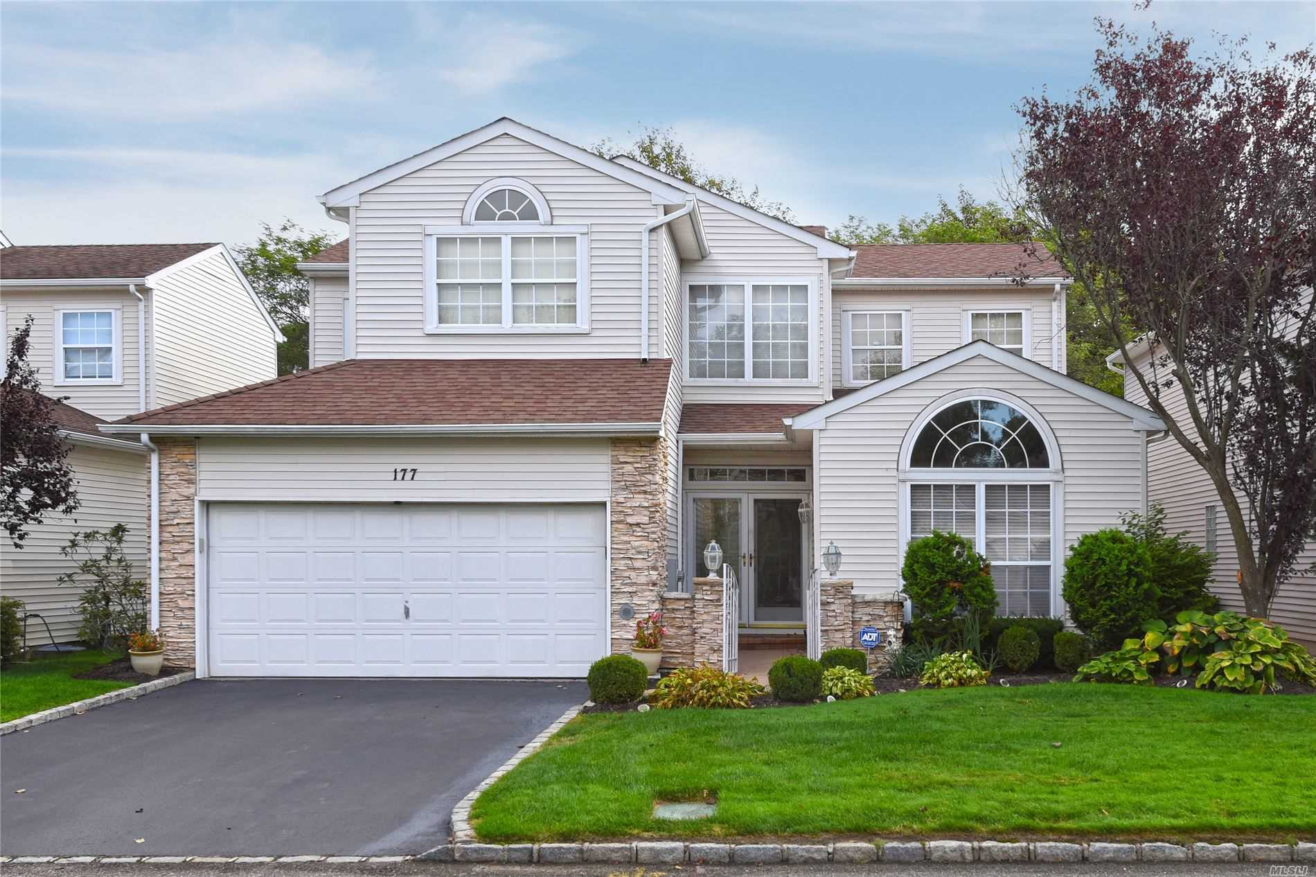 Property for sale at 177 Windwatch Drive, Hauppauge NY 11788, Hauppauge,  New York 11788