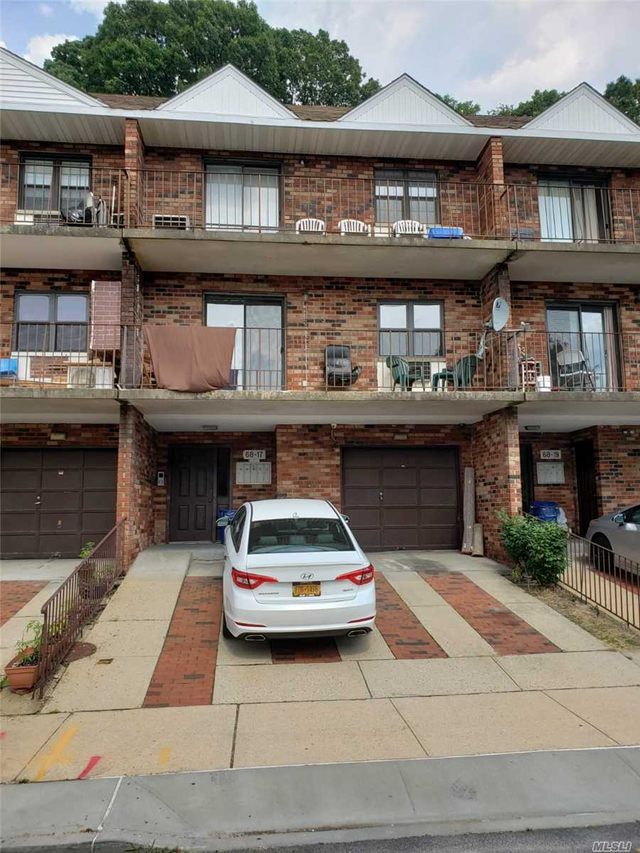 Property for sale at 68-17 242nd Street Unit: 3R, Douglaston,  New York 11362
