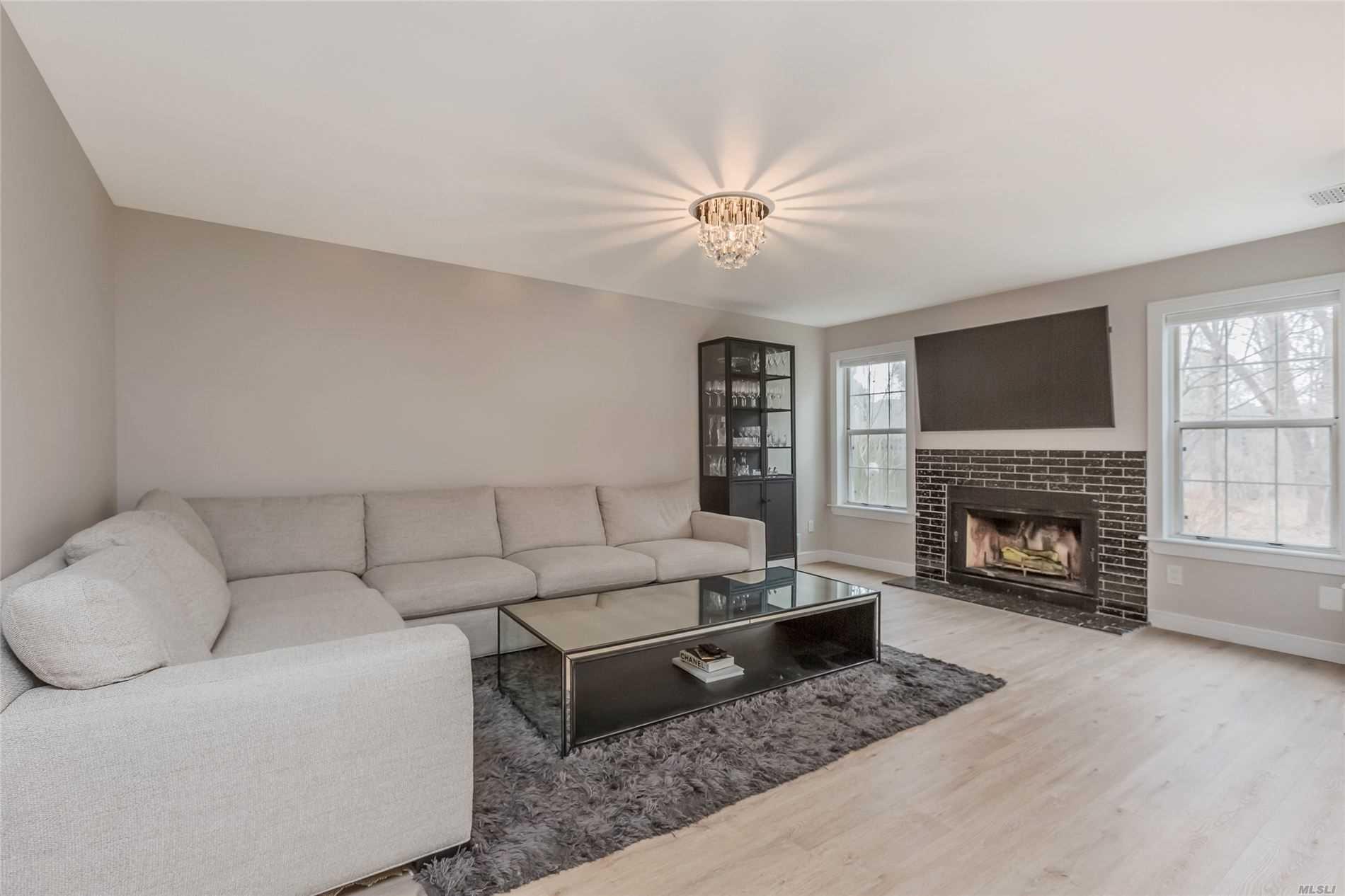 Property for sale at 4 Victorian Court, Huntington NY 11743, Huntington,  New York 11743