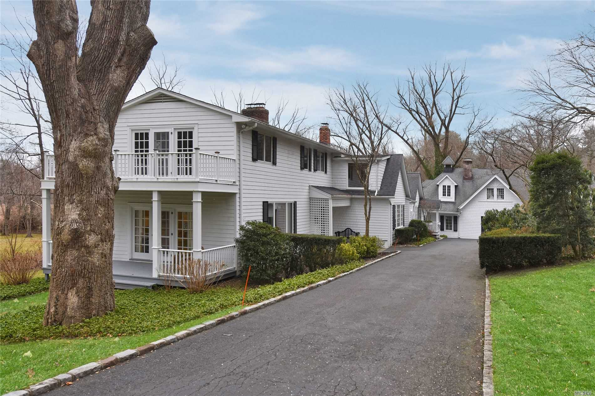 Property for sale at Glen Cove,  New York 11542