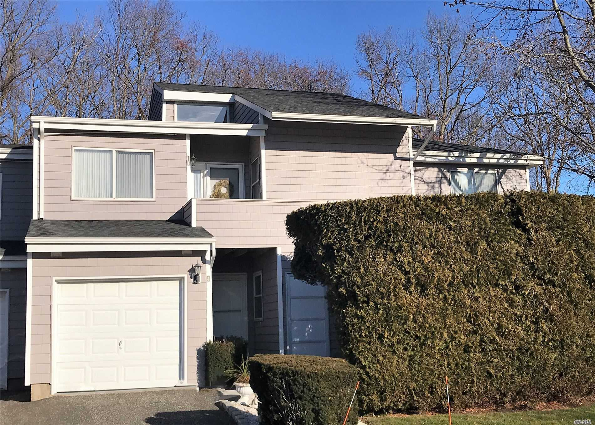 Property for sale at 10 Vista Drive, Manorville NY 11949, Manorville,  New York 11949