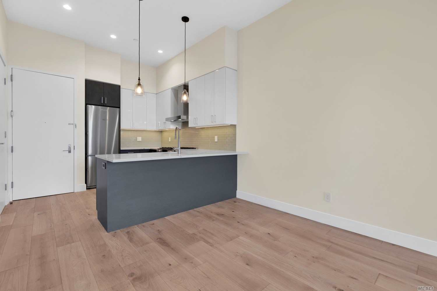 Property for sale at 2633 28th Street Unit: 2A, Astoria,  New York 11102