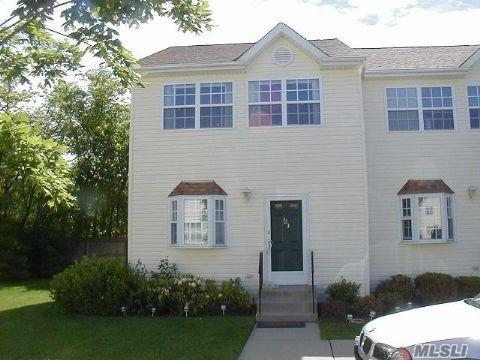 Property for sale at 1027 Jerusalem Avenue Unit: 123, Uniondale,  New York 11553