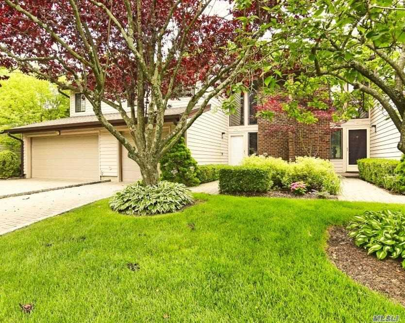 Property for sale at 40 Maple Run Court, Jericho,  New York 11753