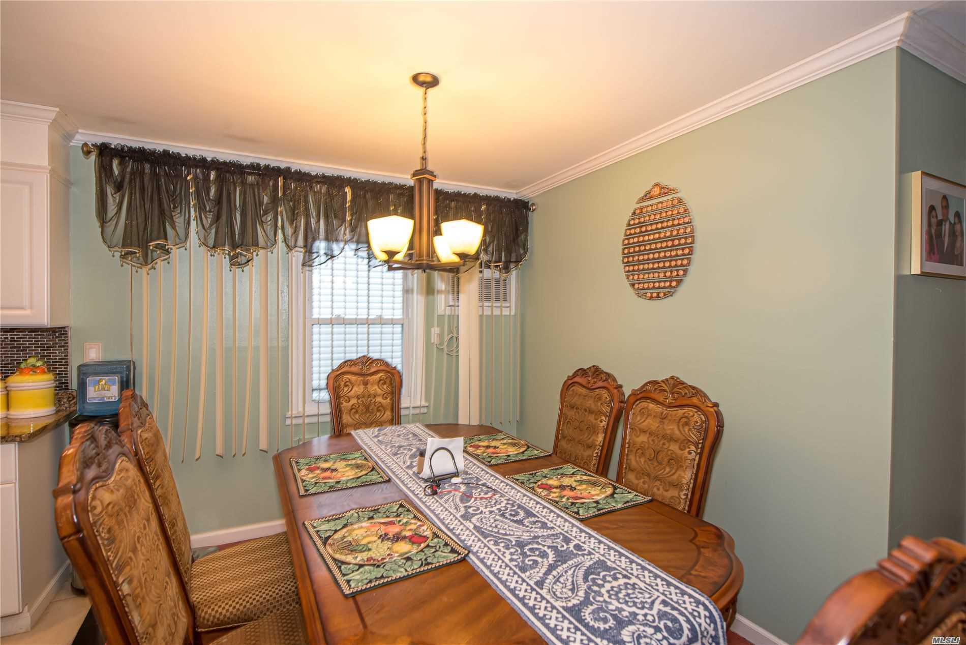 Single Family Evans Avenue  Nassau, NY 11507, MLS-3197740-6