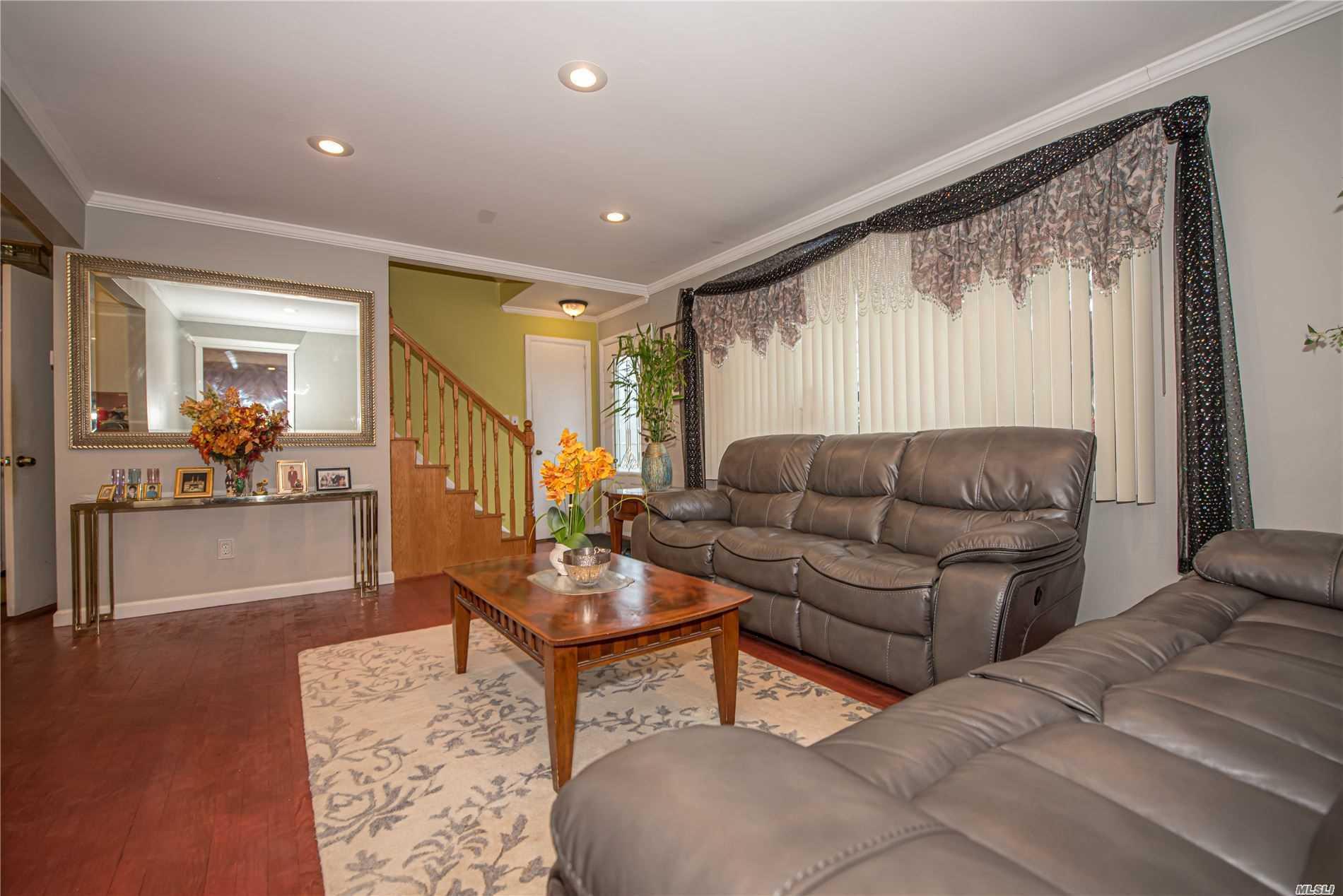 Single Family Evans Avenue  Nassau, NY 11507, MLS-3197740-3