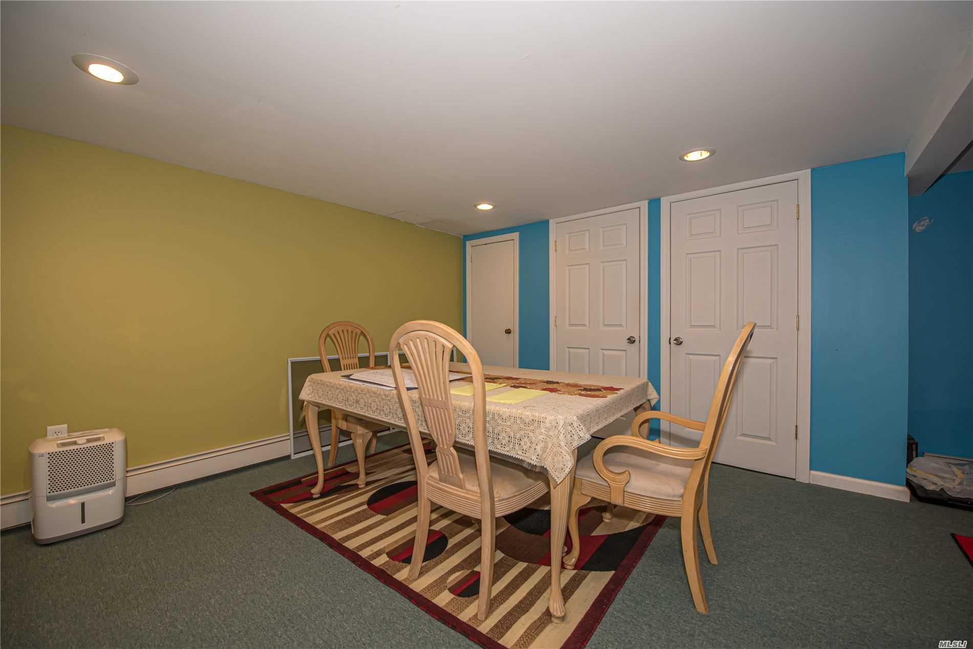 Single Family Evans Avenue  Nassau, NY 11507, MLS-3197740-19