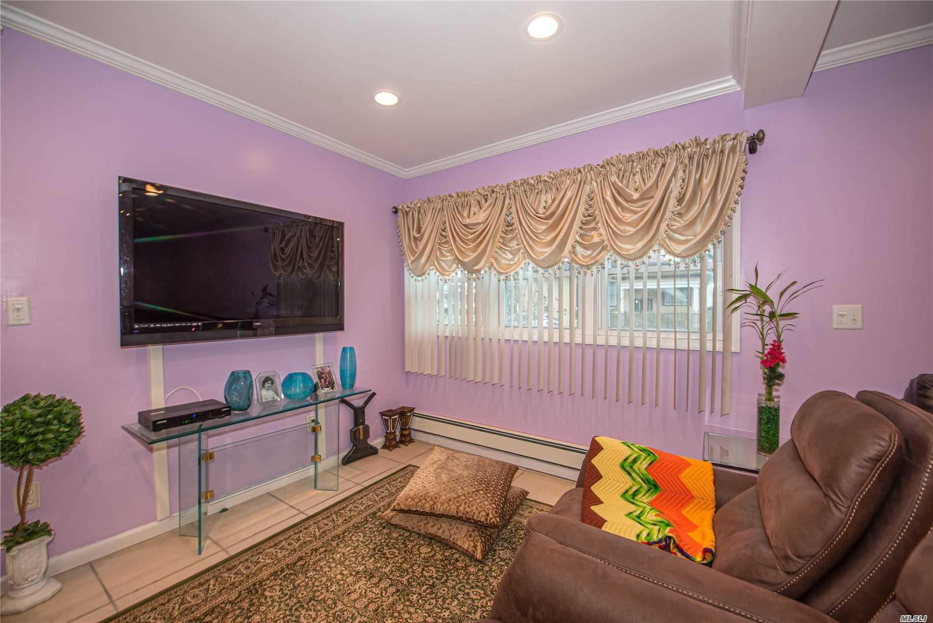 Single Family Evans Avenue  Nassau, NY 11507, MLS-3197740-4