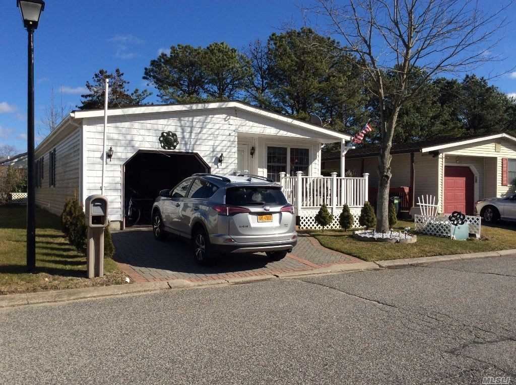 Property for sale at 134 Village Cir W # 134, Manorville NY 11949, Manorville,  New York 11949