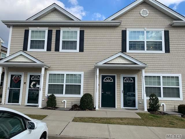 Property for sale at 922 Willow Lane Unit: 2fl, Valley Stream,  New York 11580