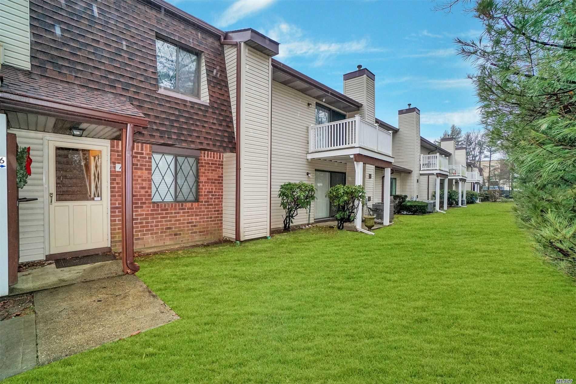Property for sale at 166 Cambridge Drive # 166, Copiague NY 11726, Copiague,  New York 11726