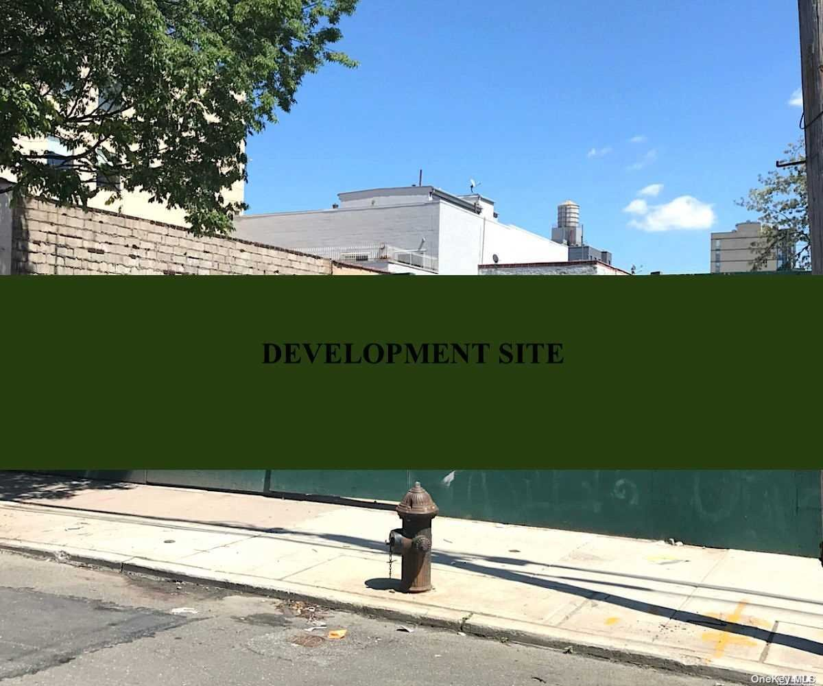 Land in Long Island City - 27th Street  Queens, NY 11101