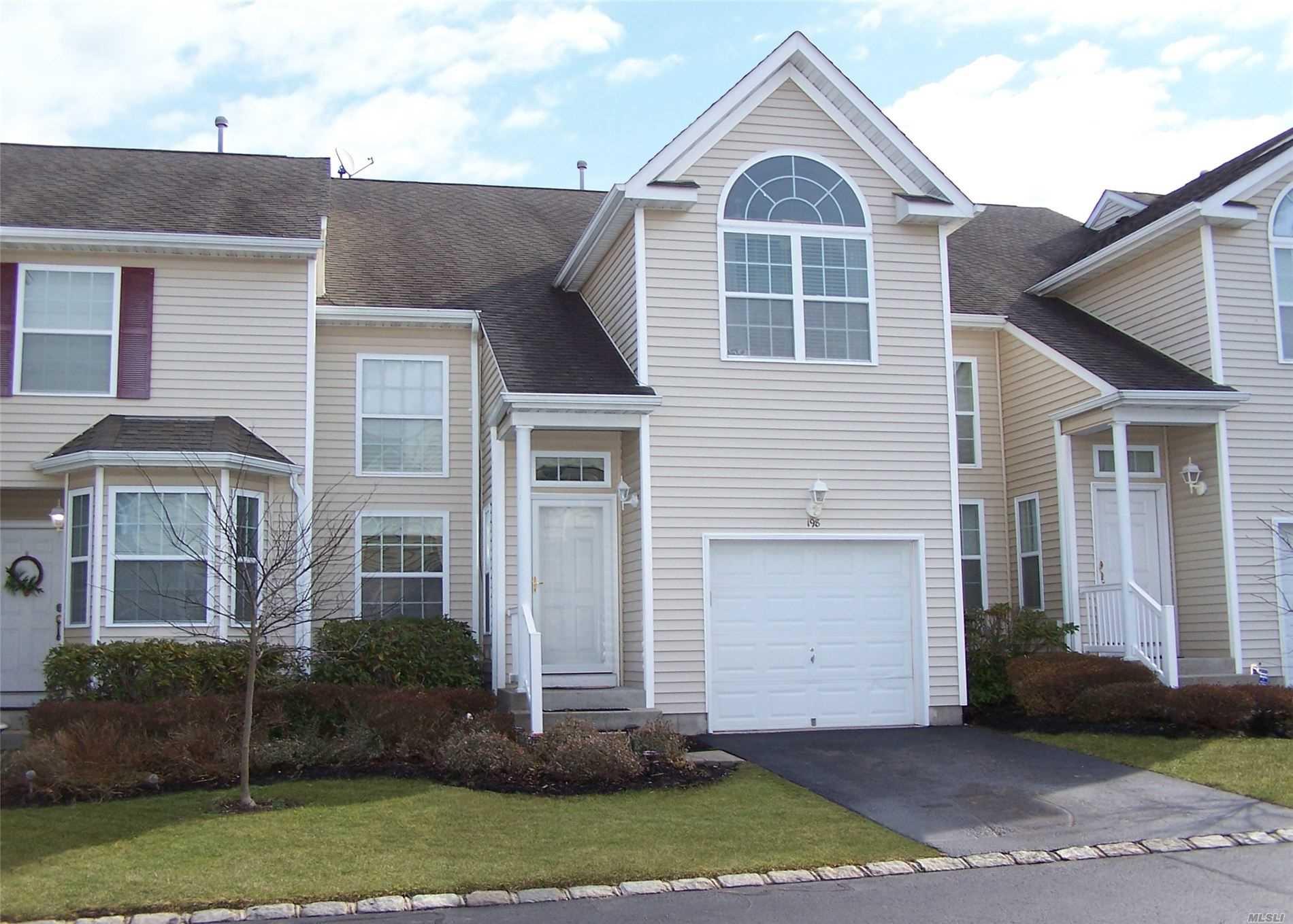 Property for sale at 198 Kettles Lane, Medford NY 11763, Medford,  New York 11763