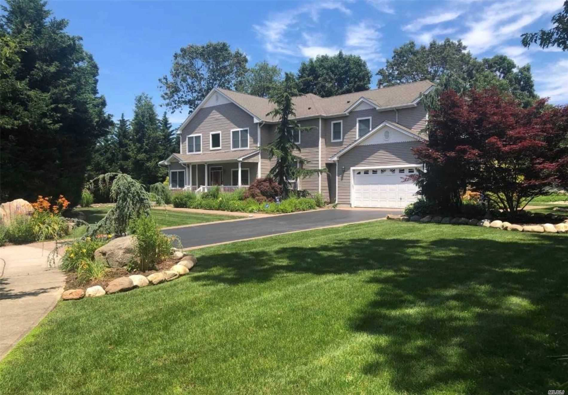 15 Wexford Court, St. James NY 11780
