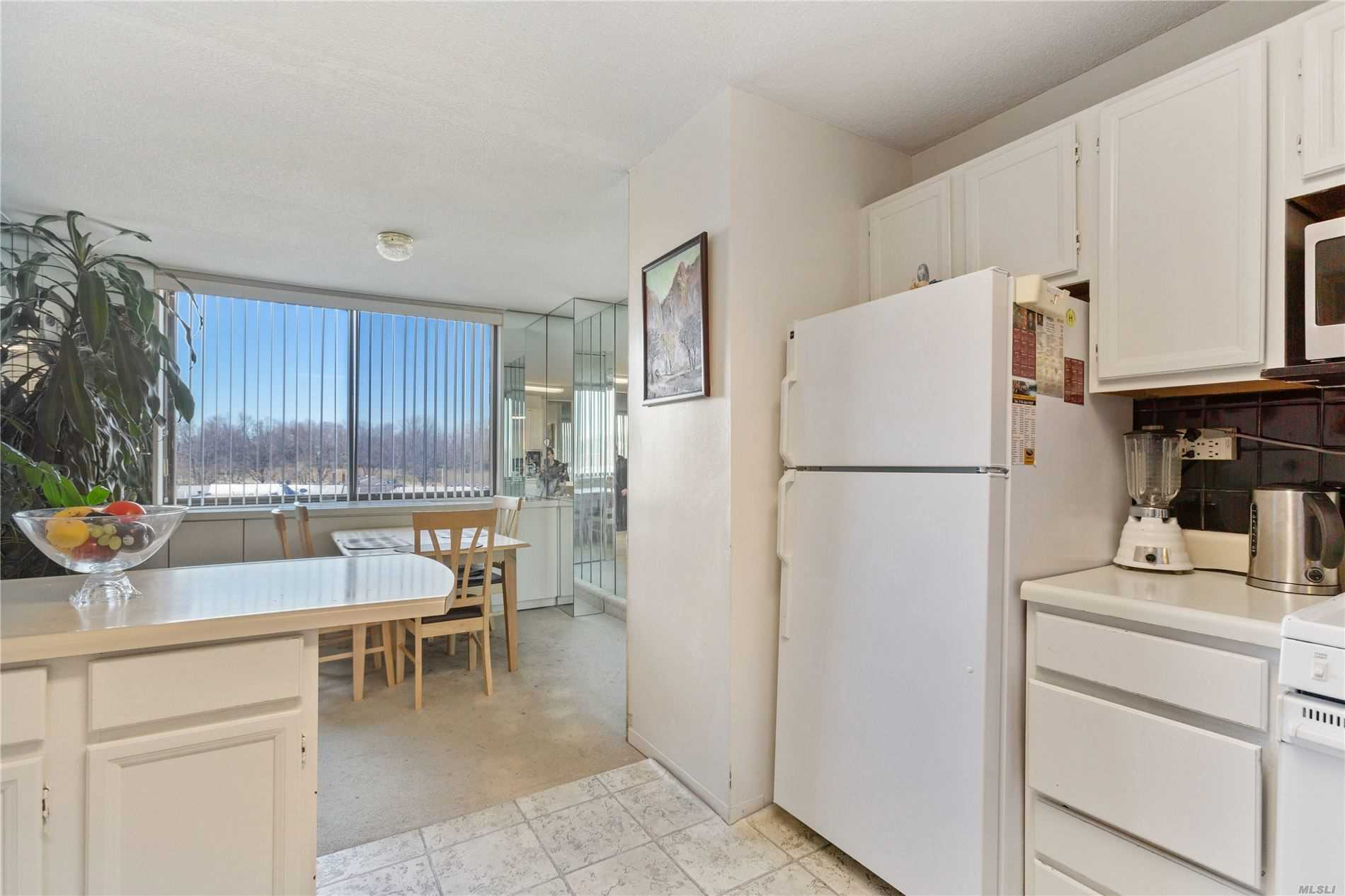 Property for sale at 1 Bay Club Drive Unit: 6A, Bayside,  New York 11360