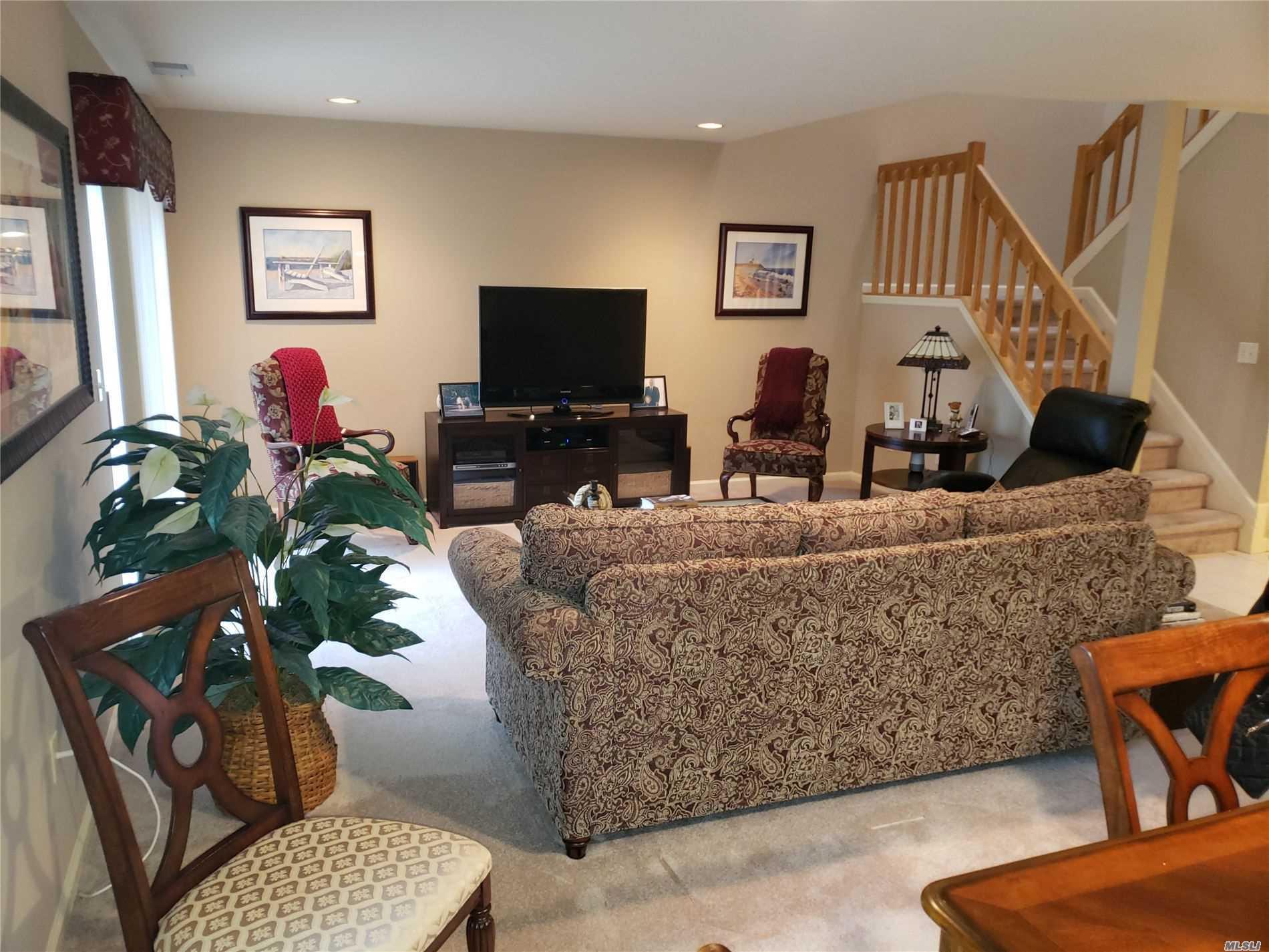 Property for sale at 292 Pond View Lane, Smithtown NY 11787, Smithtown,  New York 11787