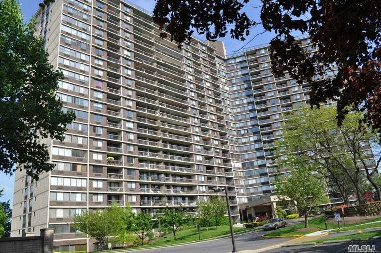 Property for sale at 2 Bay Club Drive # 3, Bayside NY 11360, Bayside,  New York 11360