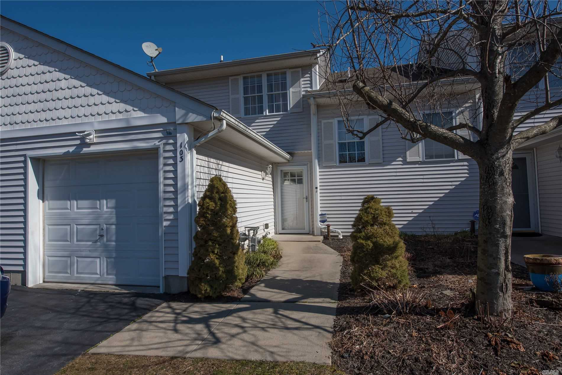 Property for sale at 103 Sagaponack Court, Melville NY 11747, Melville,  New York 11747