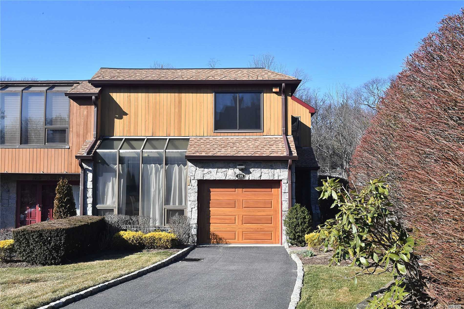 Property for sale at 139 The Cresent, Roslyn Heights NY 11577, Roslyn Heights,  New York 11577