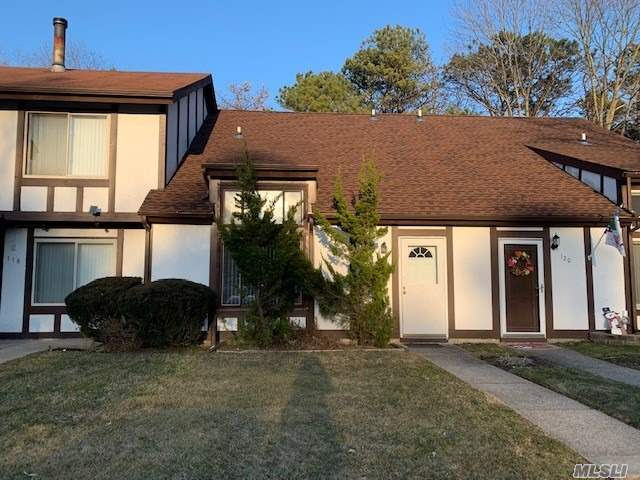 Property for sale at 119 Fieldstone Court, Middle Island NY 11953, Middle Island,  New York 11953