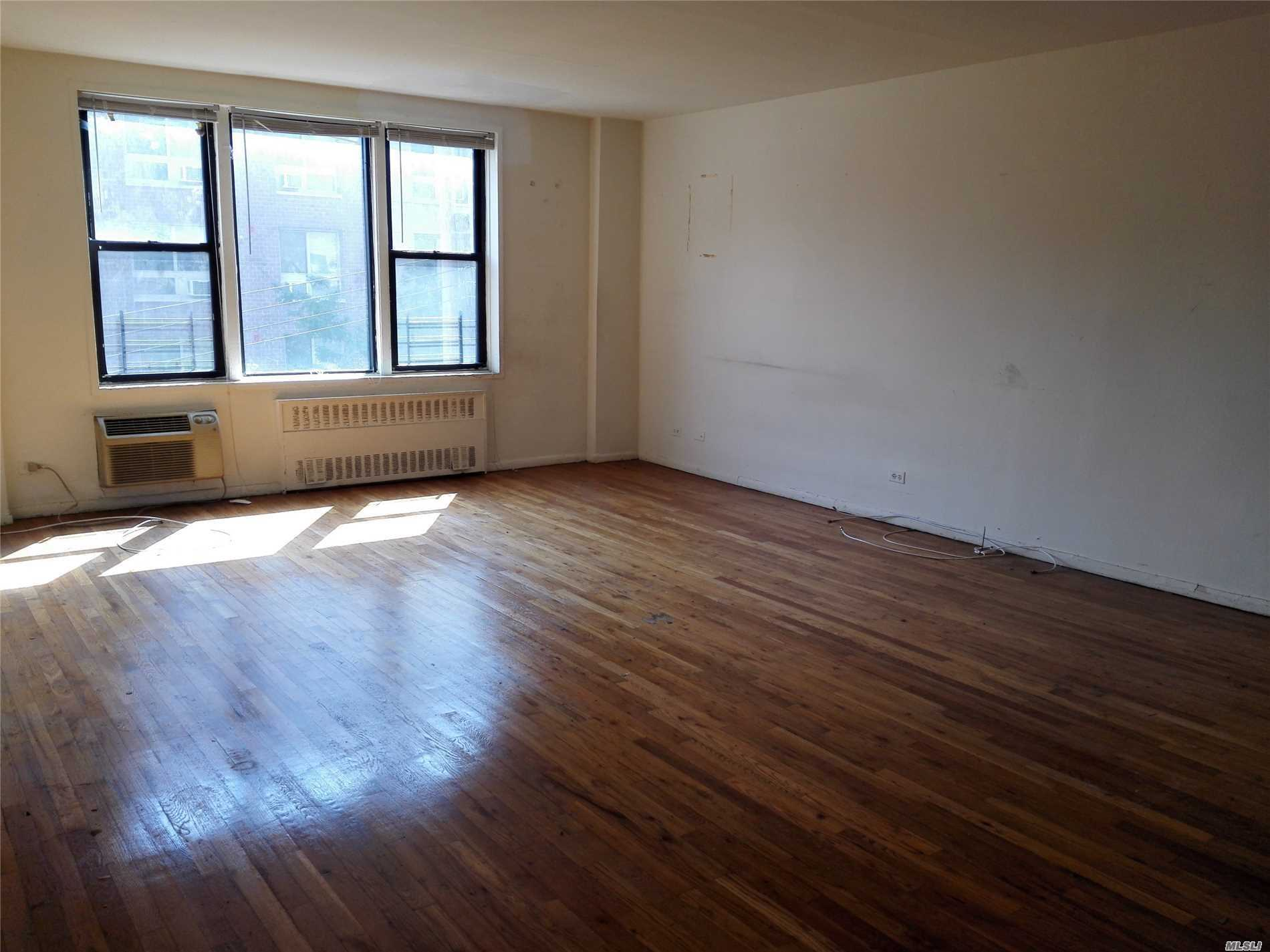 Property for sale at 65-50 Wetherole Street # 2H, Rego Park NY 11374, Rego Park,  New York 11374