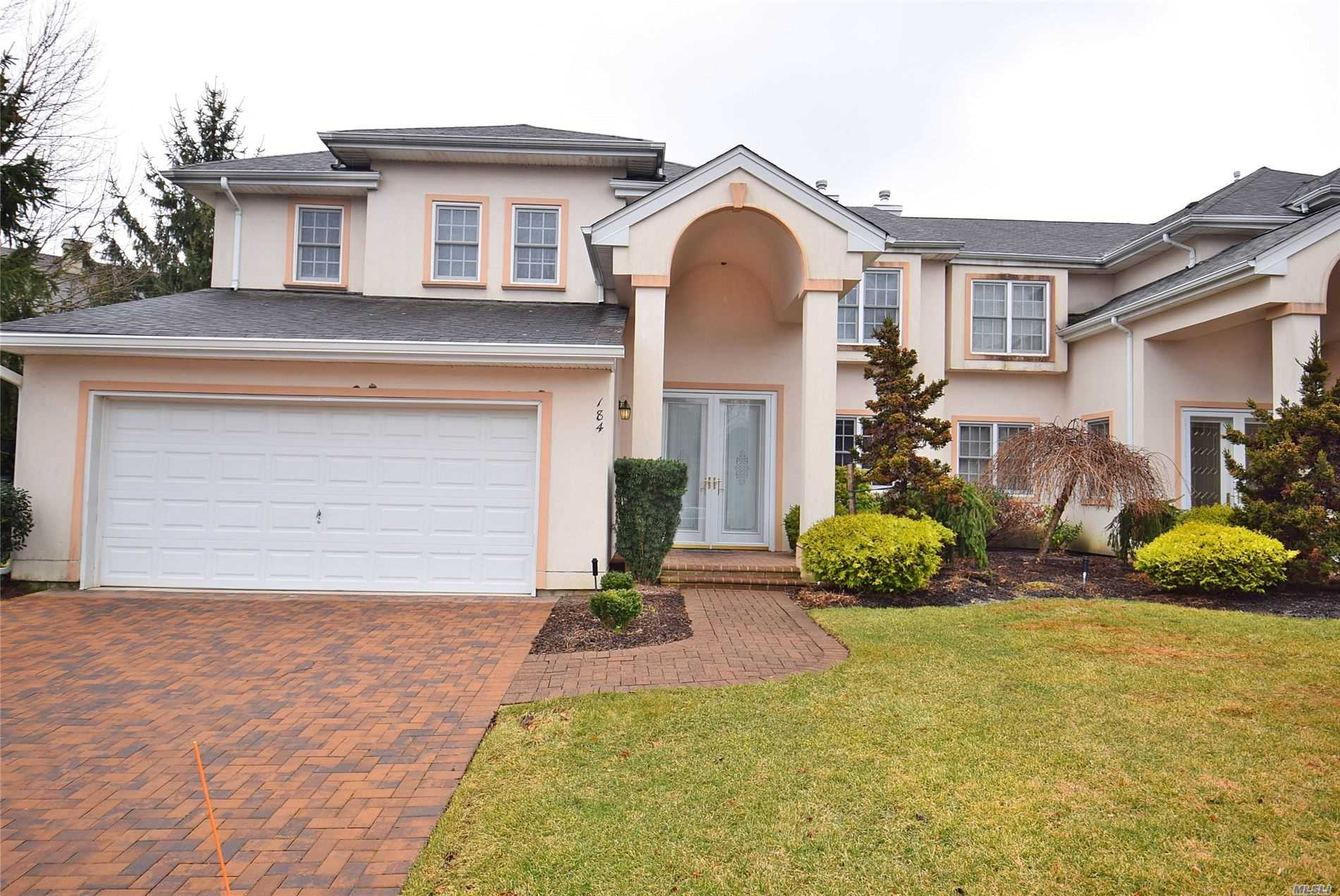 Property for sale at 184 Montecito Crescent, Melville,  New York 11747