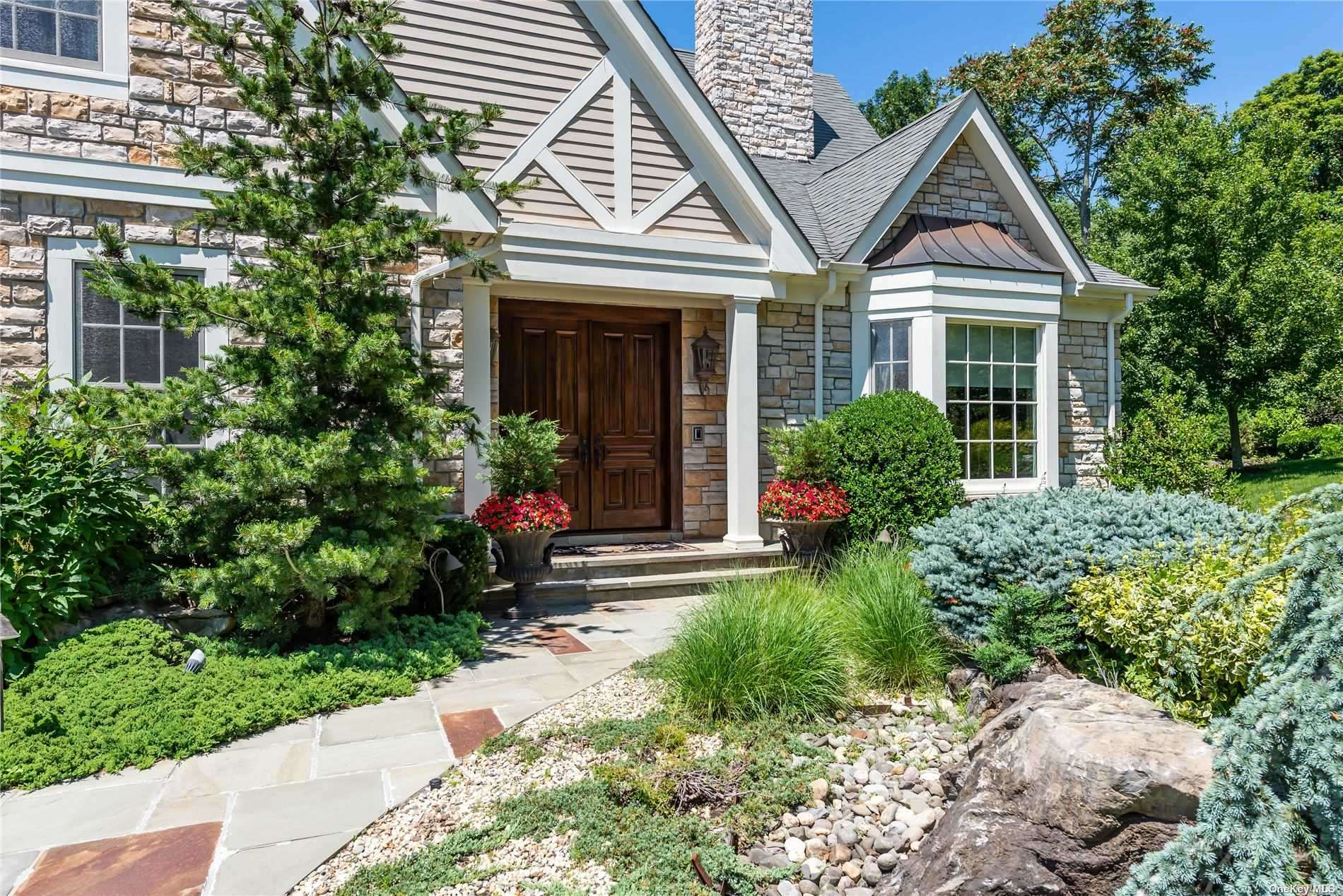Property for sale at 2 Kingwood Court, Muttontown,  New York 11791