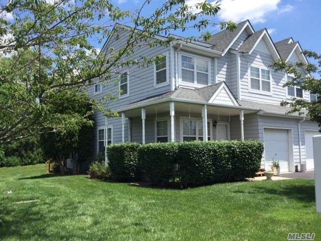 Property for sale at 101 Sprucewood Boulevard, Central Islip NY 11722, Central Islip,  New York 11722