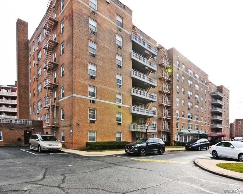 Property for sale at 84-39 153rd Avenue # 4C, Howard Beach NY 11414, Howard Beach,  New York 11414