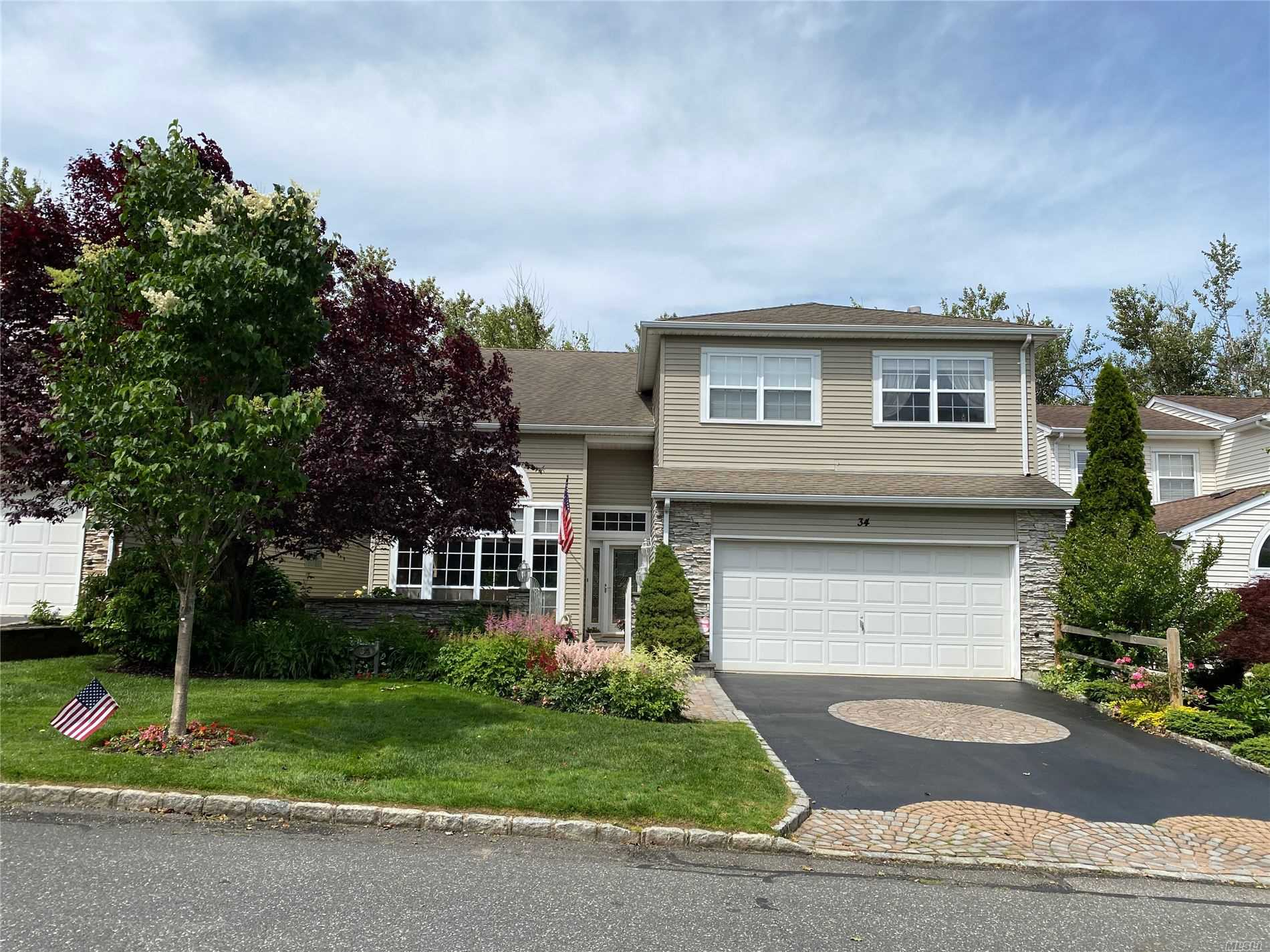 Property for sale at 34 Hamlet Drive, Hauppauge NY 11788, Hauppauge,  New York 11788
