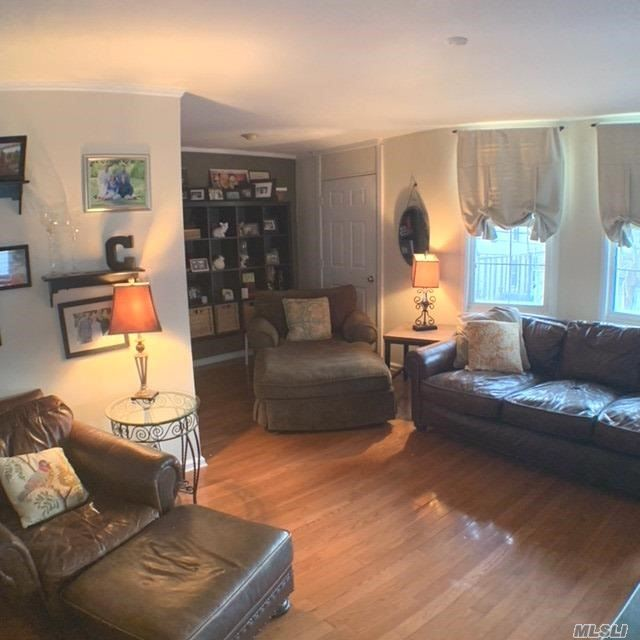 Residential Lease in Middle Village - 65 Street  Queens, NY 11379