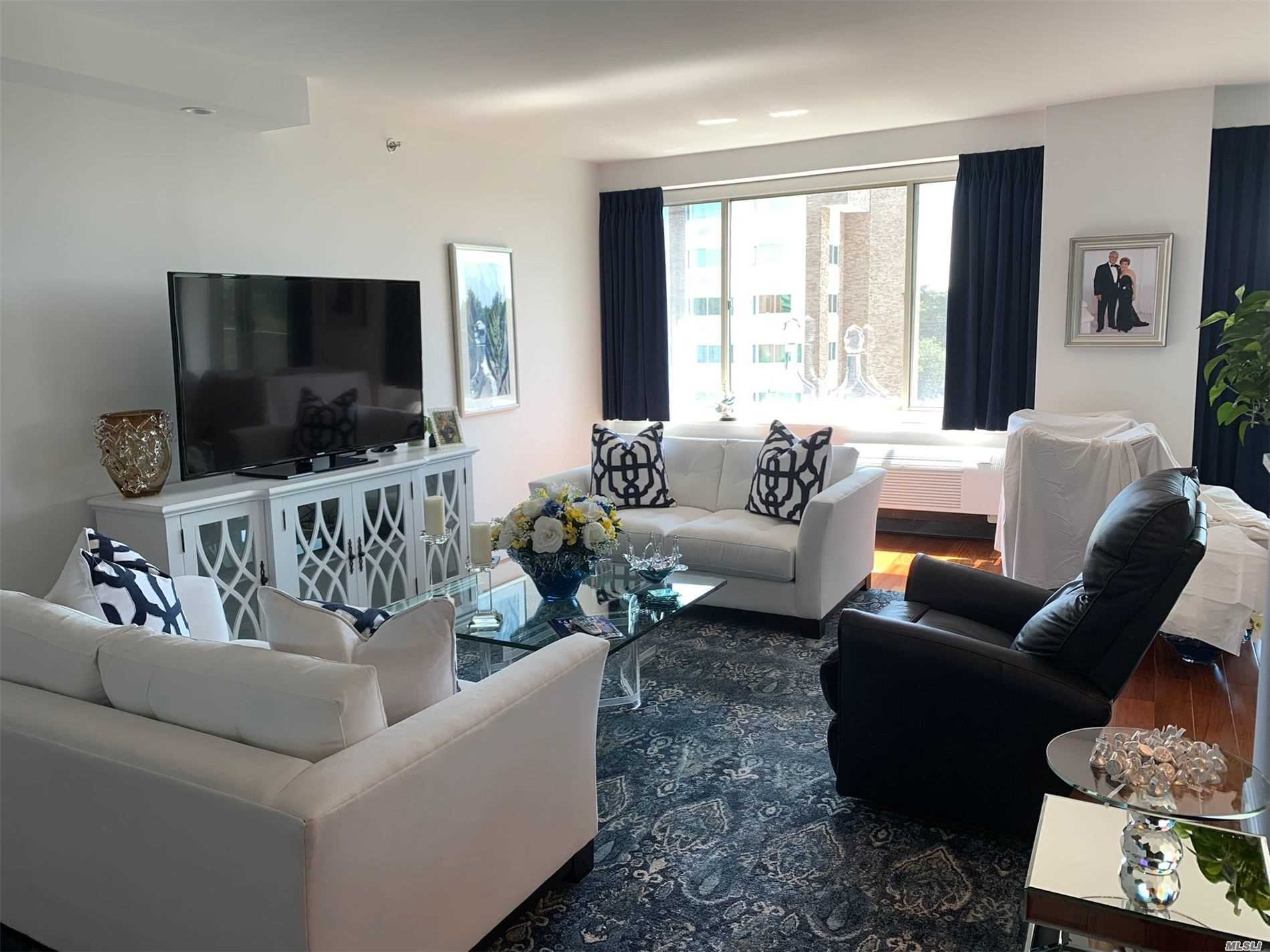 Property for sale at 111 Cherry Valley Avenue # 614W, Garden City NY 11530, Garden City,  New York 11530