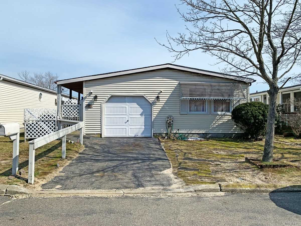 Property for sale at 72 W Village Circle, Manorville NY 11949, Manorville,  New York 11949