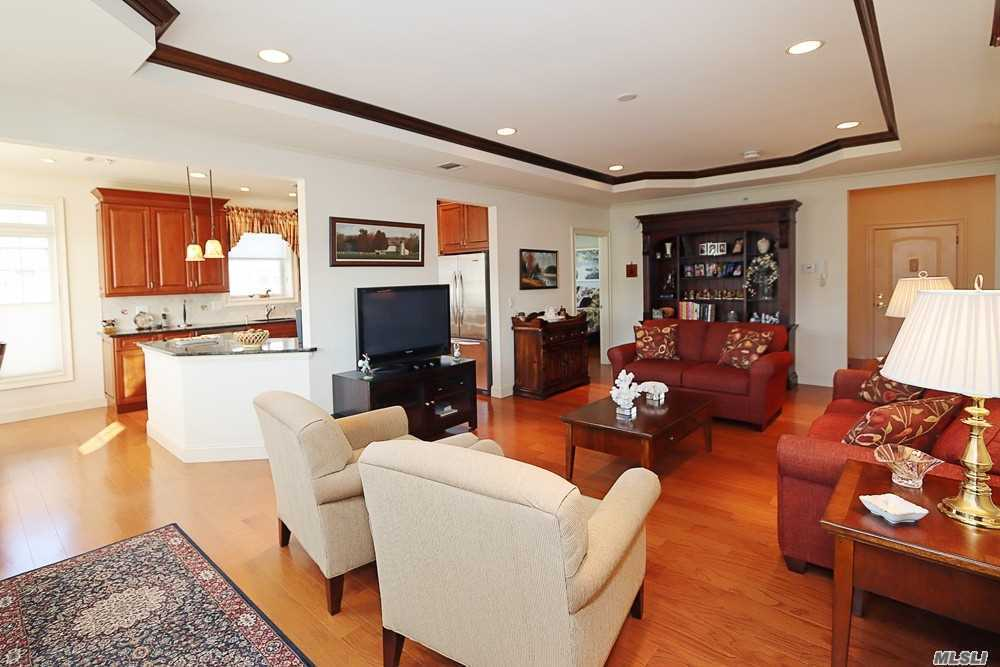 Property for sale at 540 Roosevelt Way, Westbury NY 11590, Westbury,  New York 11590