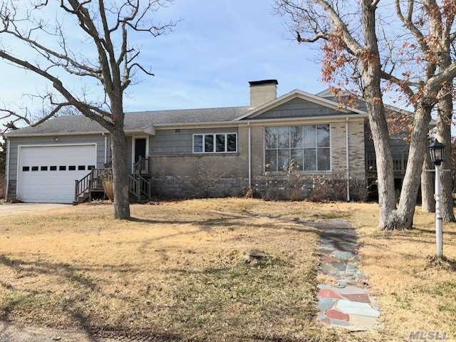 Property for sale at 33 Beach Road, Laurel,  New York 11948