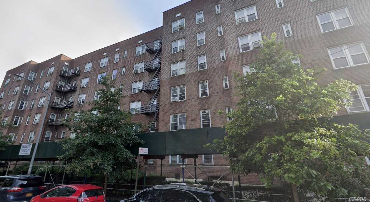 4240 BOWNE STREET #5H, FLUSHING, NY 11366
