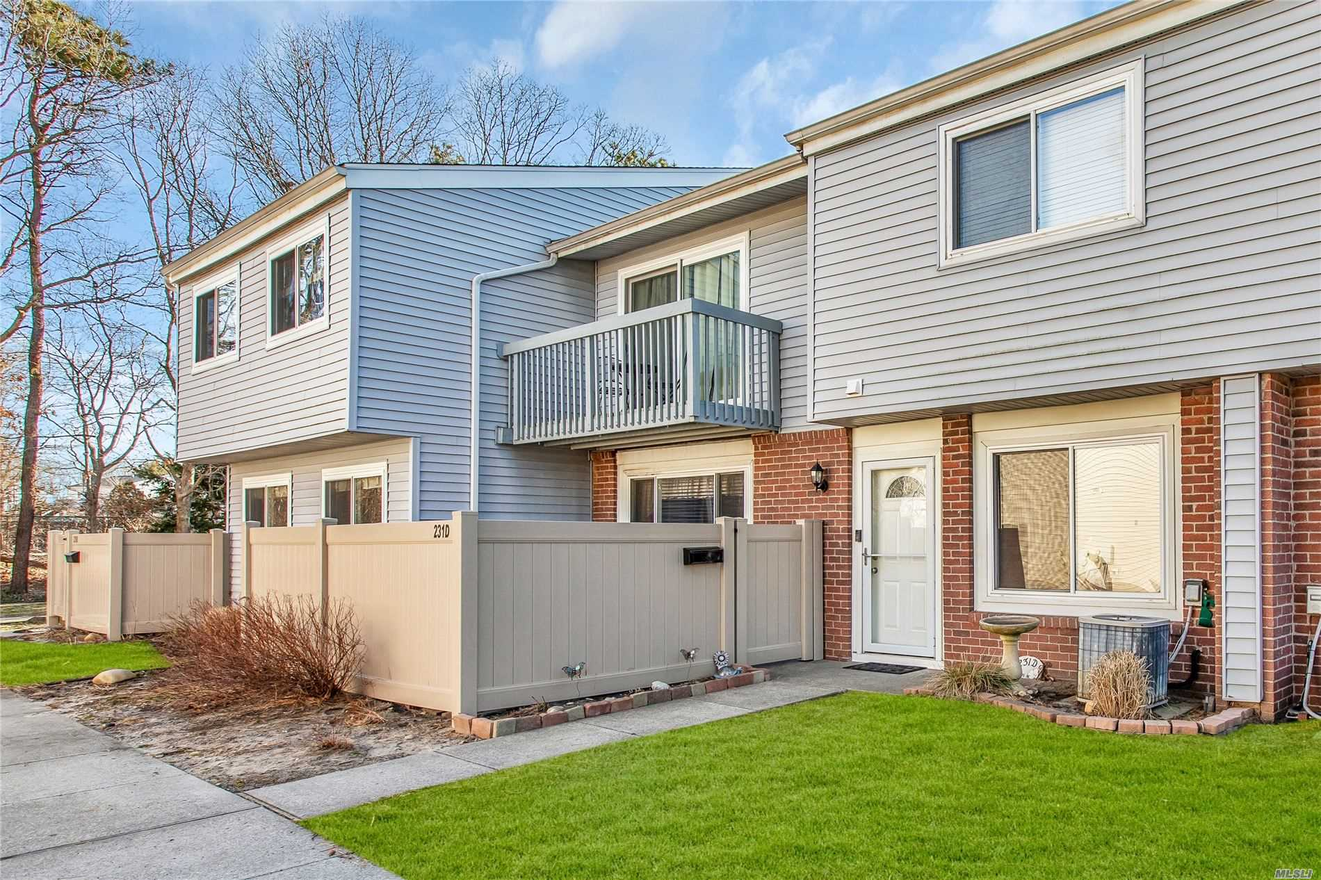 Property for sale at 231 Spring Meadow Drive # D, Holbrook NY 11741, Holbrook,  New York 11741